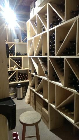 Réalisation d'une cave à vins et d'un groupe froid