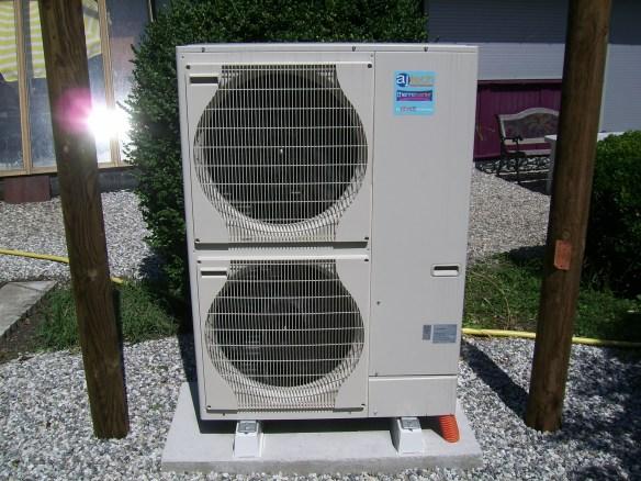 Livraison de pompe à chaleur air eau Ajtech Mitsubishi
